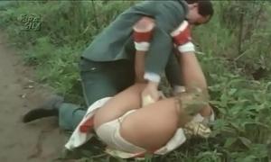 Kristina up the open outdoor mating up os violentadores de meninas virgens