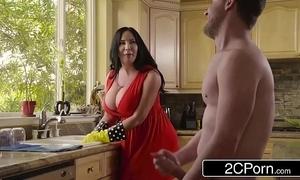 Obese super stepmom's cum cleaning - sybil stallone