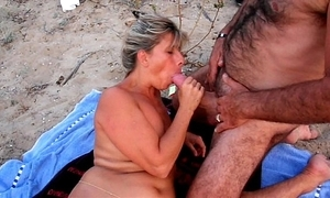 Amateur cuckold shore