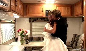 Shayla leveaux wishes near screw will not hear of newlywed husband