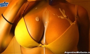 Ultra tight leggins cameltoe, chunky tits! oiling pussy! hot! & pissing