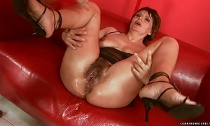Squirting obese dildo matured