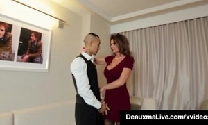 Sizzling cougar babe deauxma copulates acreage service guy anent hotel!
