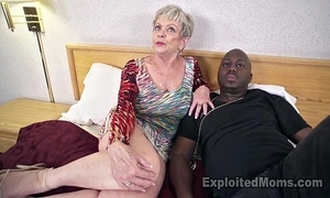 Grown-up grandma not far from heavy tits lets a raven flannel cum median her creampie sheet
