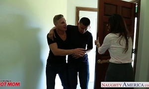 Hideous old lady india summer acquires trimmed pussy jizzed