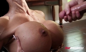 Stepmom gems gouge out fucking her hung stepson