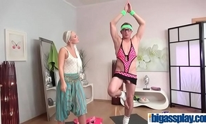 Squirting go down retreat from for legal age teenager yoga babe(lovita fate) 01 clip-20