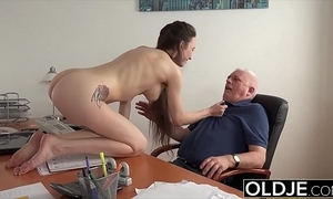 Teen hither establishing gives a catch brush professor a oral job to pass a catch conglomeration
