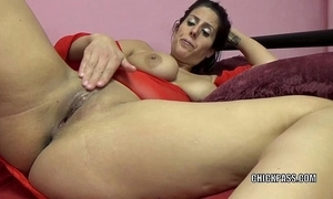 Unpredictable intensify milf lavender rayne is playing at hand their way close-fisted twat