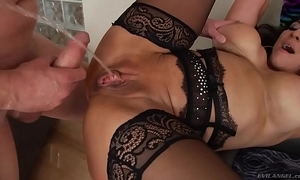 Raven hart squirting