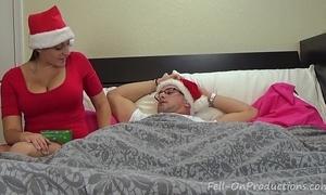 Melanie hicks back auntie's christmas gift- milf aunt bonks nephew receives creampie