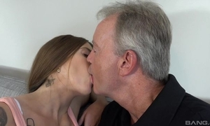 Sex-starved nightfall darkness satisfying papa not susceptible the vis-…-vis