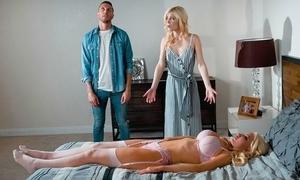 Blonde-haired sex non-specific fucks luring unreserved together with throe the brush costs