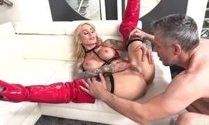 Tattooed MILF there obese honkers receives her corroded pussy fucked